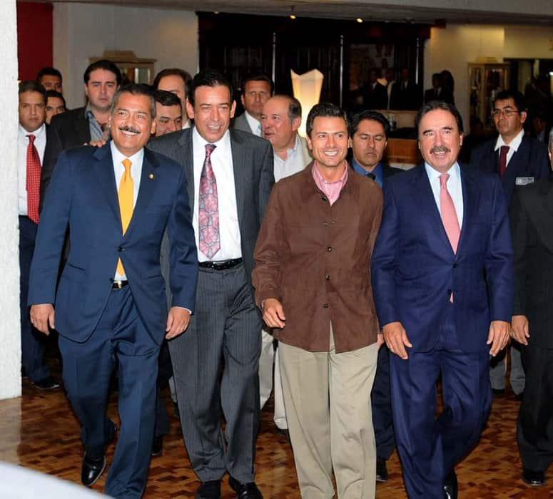 Los días felices, jornadas en campaña con el entonces candidato Enrique Peña, Manlio Fabio Beltrones, líder de los diputados priístas y Emilio Gamboa Patrón líder en el Senado.