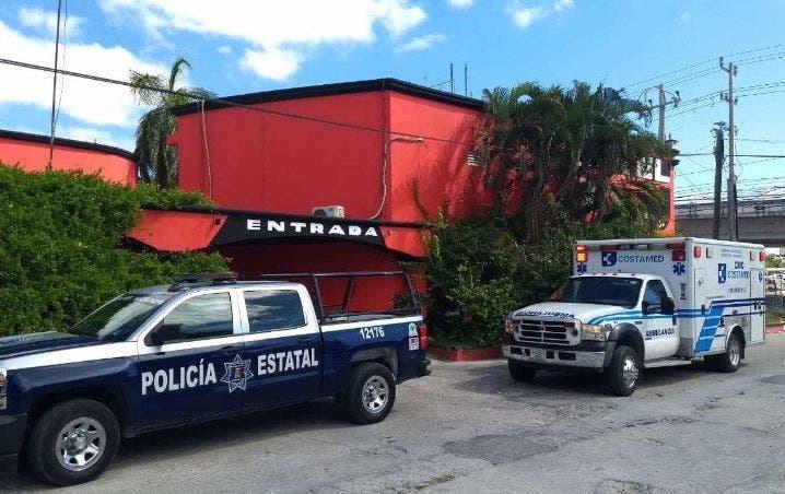 Camarista de motel halla muerto en Playa del Carmen