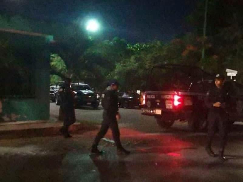 Ejecutan con 20 disparos a sujeto en Playa del Carmen