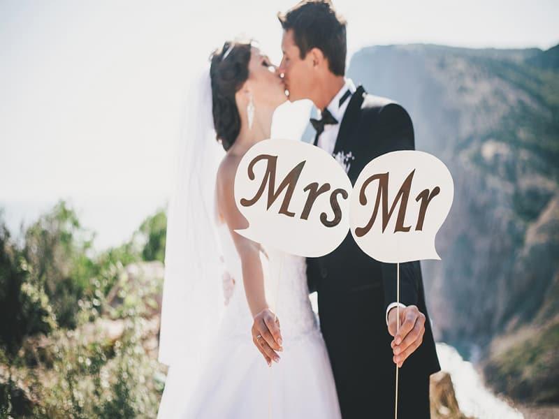 Estaban recién casados y la apuñaló 46 veces
