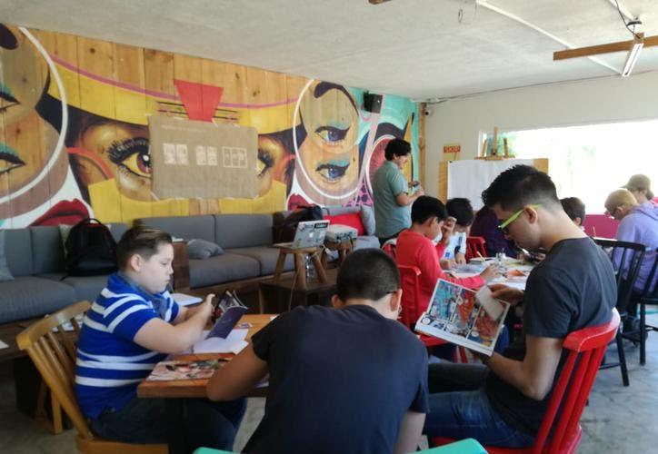 Rinden homenaje a Stan Lee con taller del cómic en Cancún