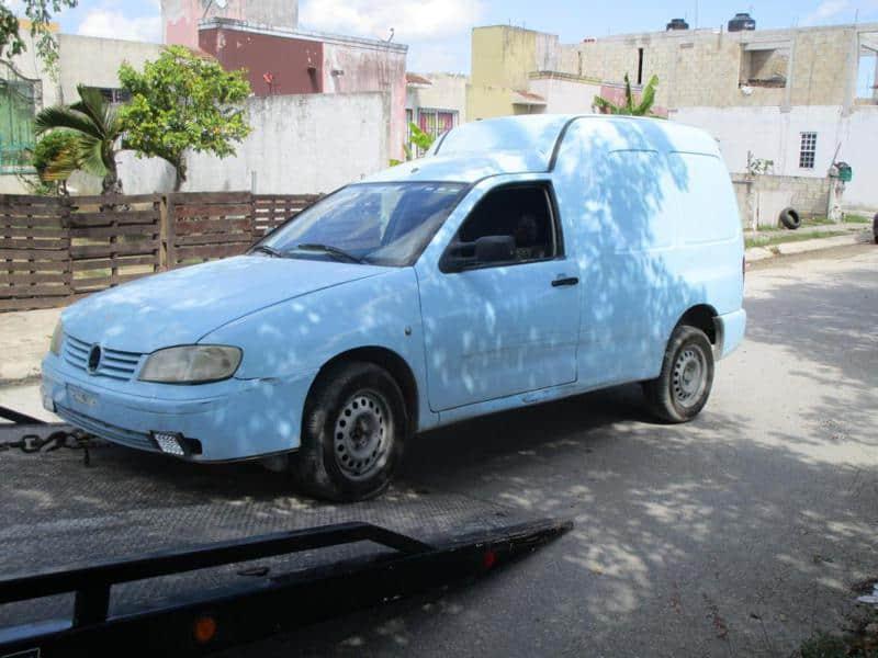 """Abandonan en Cancún camioneta usada en """"levantón"""""""