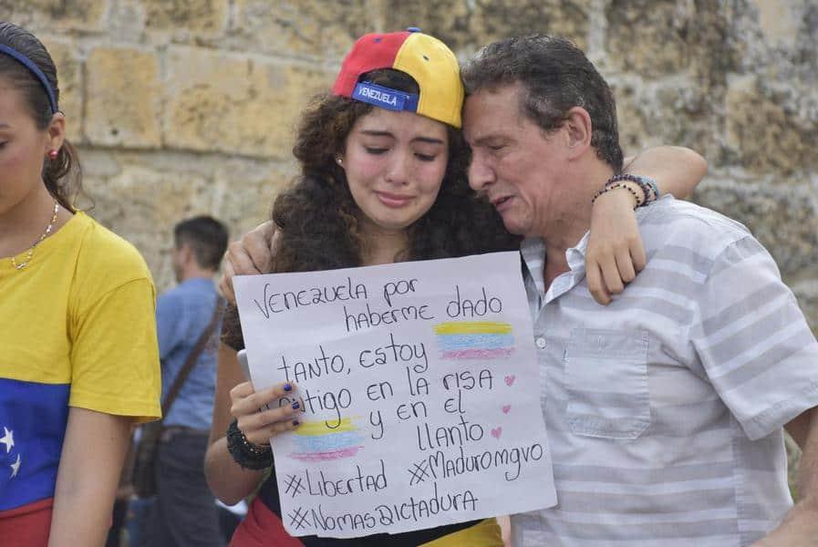 Ante la crisis, huyen bellezas de Venezuela