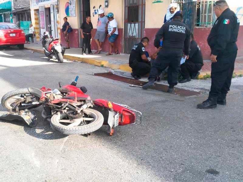 Motociclista derrapa y fallece en traslado al hospital en Yucatán