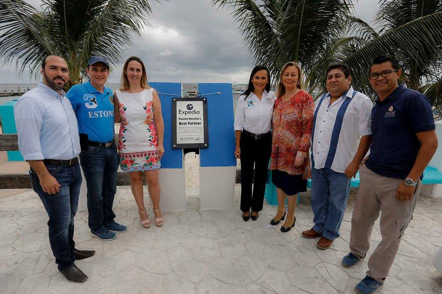 Laura Fernandez celebra quite de restricción a Quintana Roo