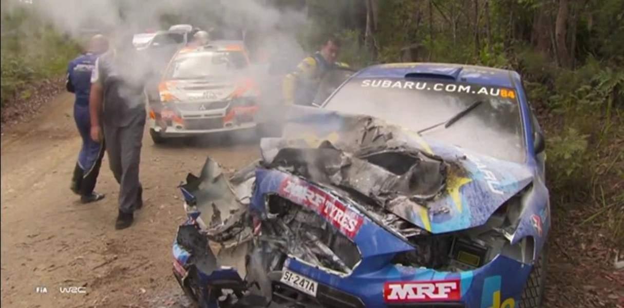 Piloto sufre aparatoso accidente y sale ilesa (VIDEO)
