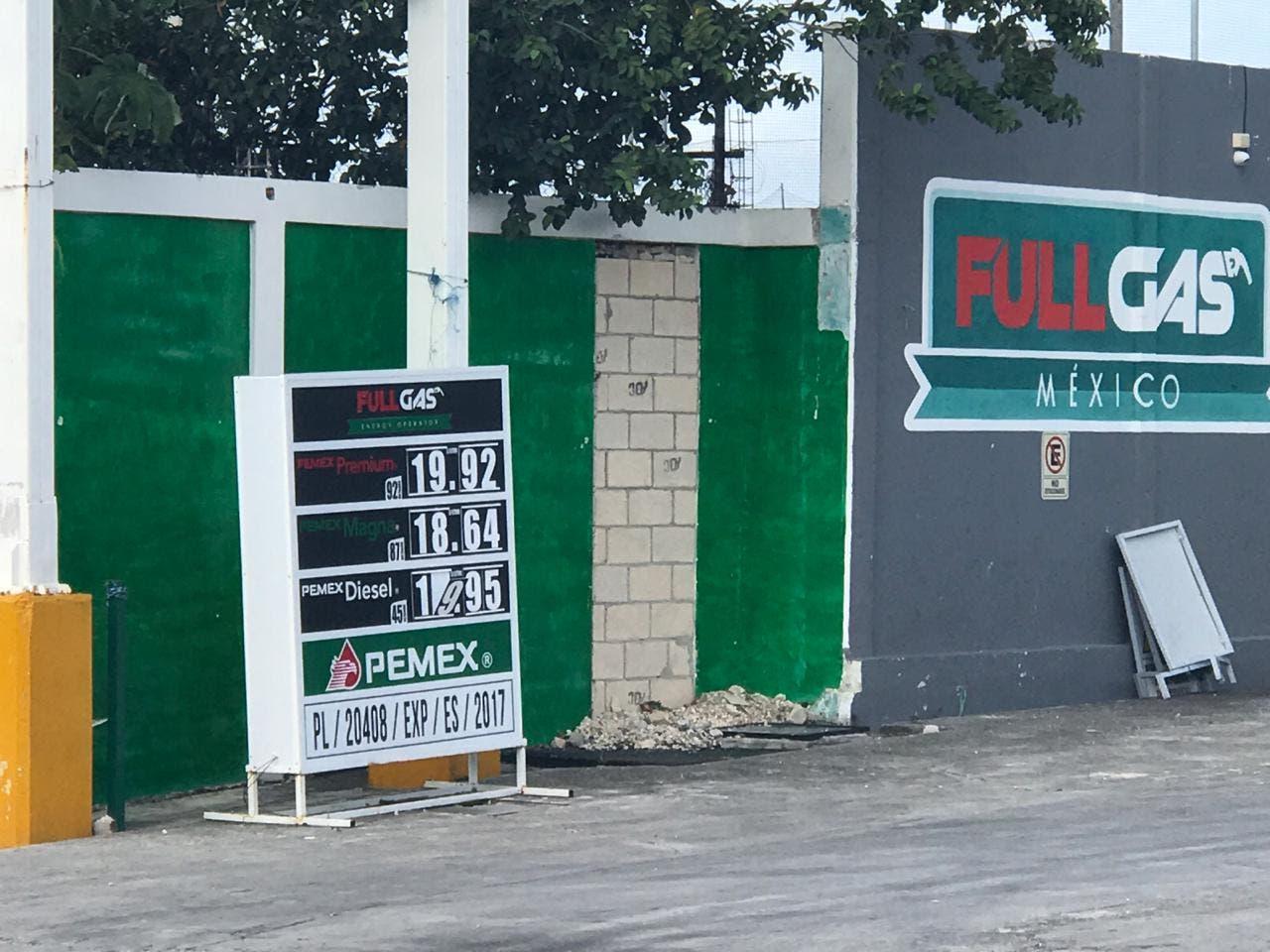 Sigue a la baja la gasolina en Cancún; subirá en enero