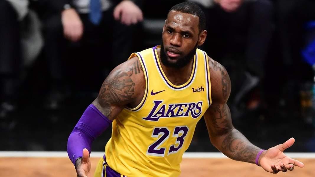NBA: LeBron James arremete contra dueños de la NFL