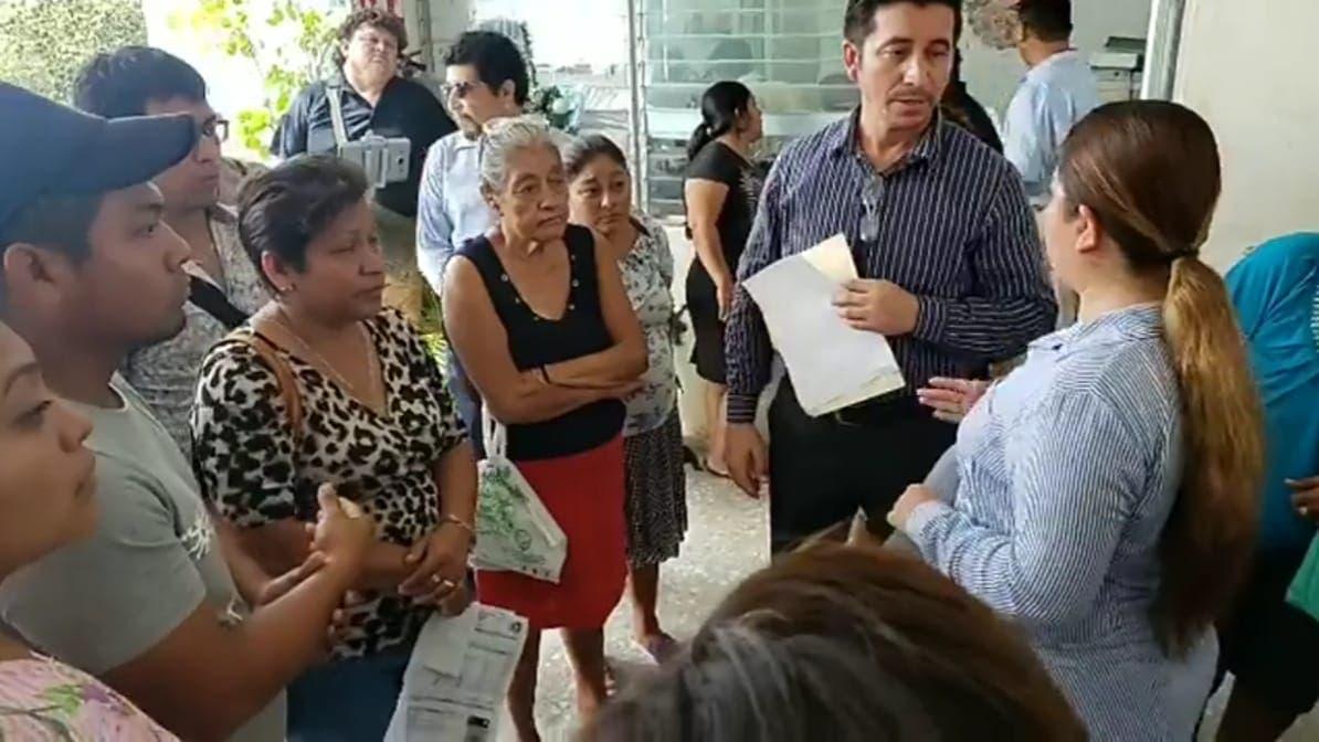 Se manifiestan ambulantes en Ayuntamiento de Chetumal