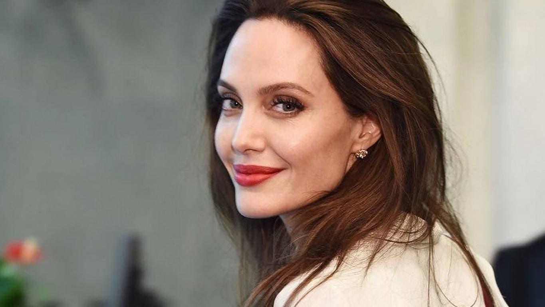 Angelie Jolie sorprende con nuevo escándalo