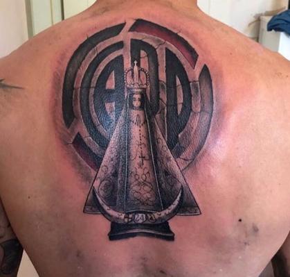 Enzo Pérez cumple, se tatuó escudo de River Plate y a la Virgen