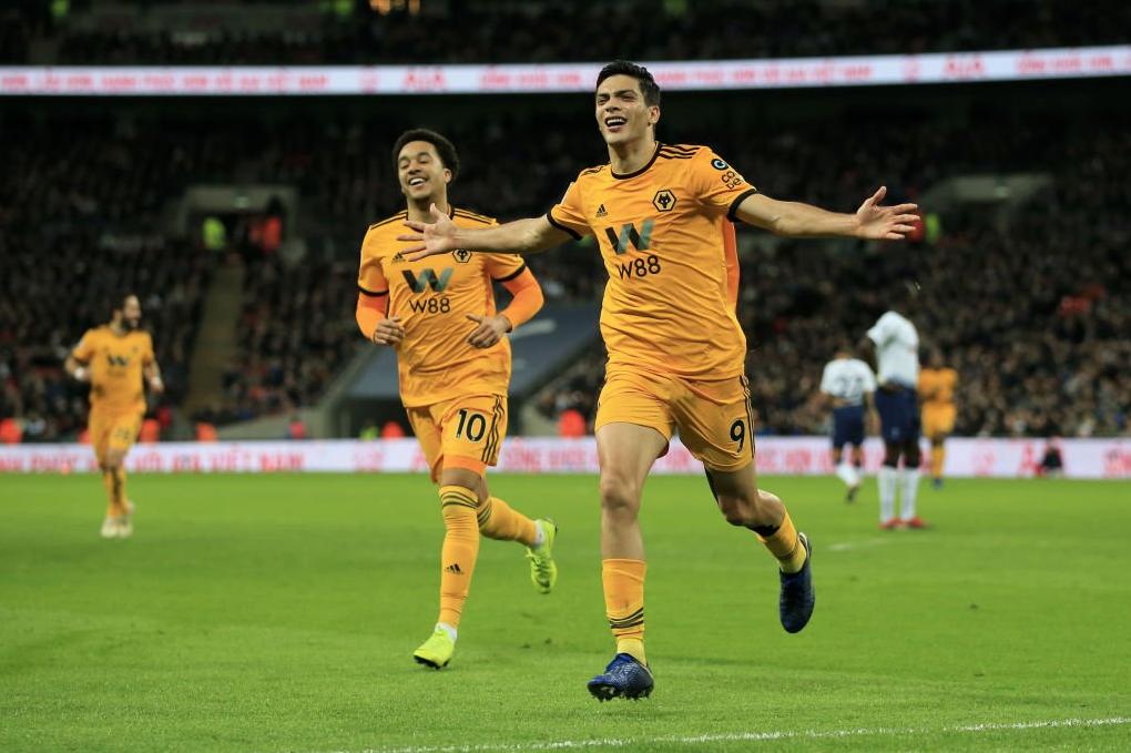 Premier League: Wolves derrota 1-3 al Tottenham; Jiménez anoto un gol