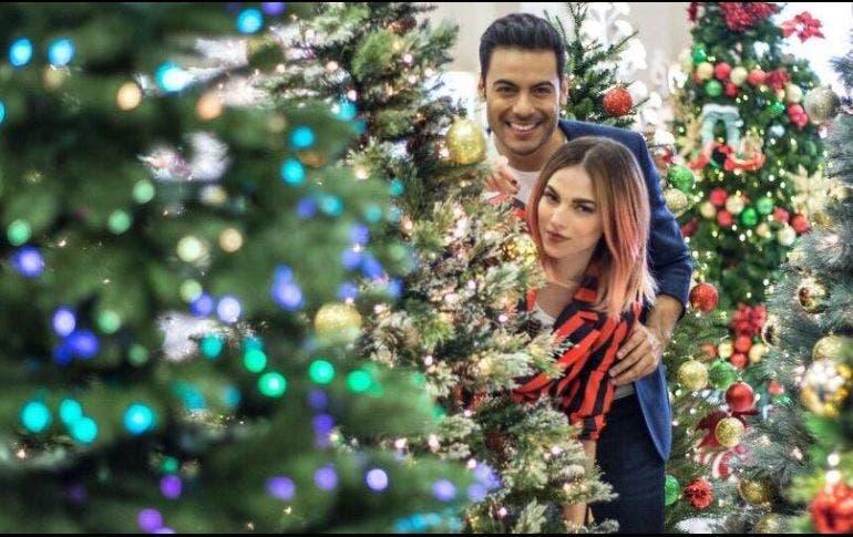 Famosos celebran Navidad compartiendo fotos en redes sociales