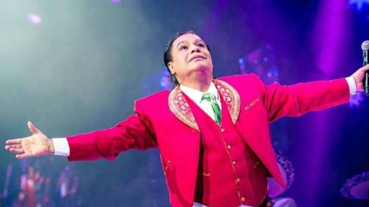 Juan Gabriel: Vuelve la polémica al revelar fotos del cantante