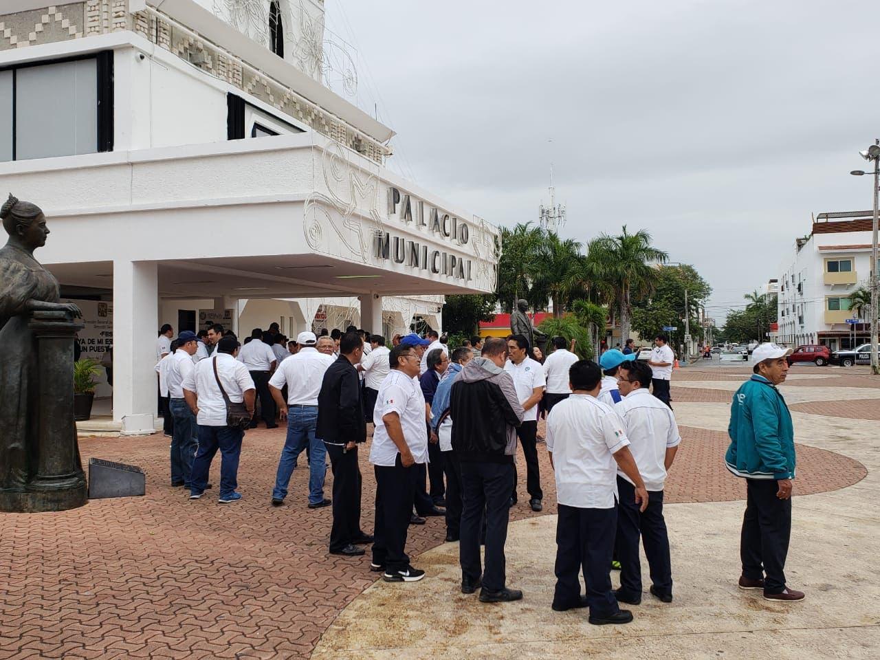 Logran acuerdos; mototaxis seguirán operando en Solidaridad