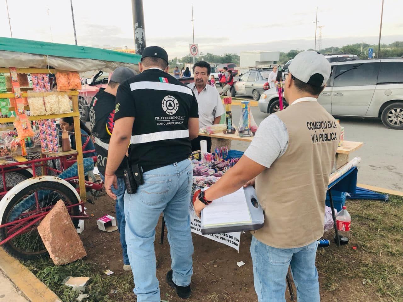 Lucha Cancún contra venta de pirotecnia en vía pública