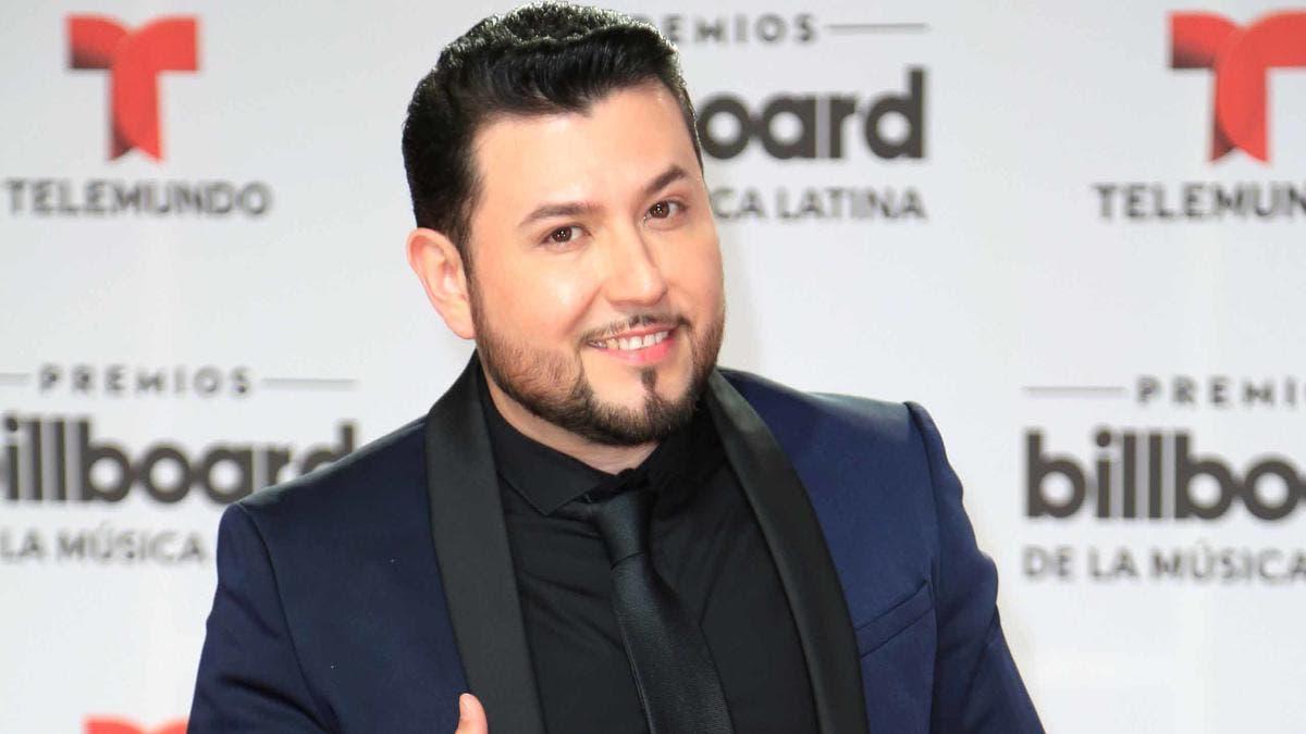 Cantante grupero Roberto Tapia sufre atentado en Michoacán