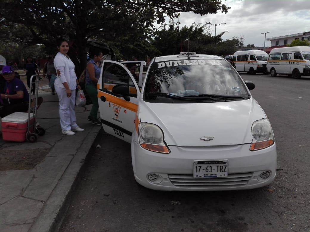 Sancionan a taxistas en Chetumal por cobros excesivos