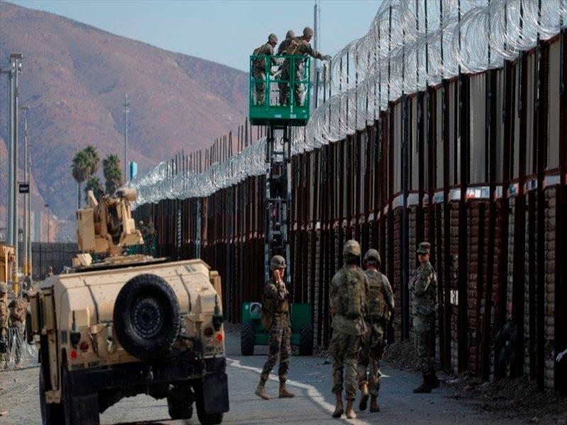 Se repliegan militares en la frontera