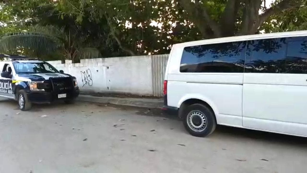 Roban en Bonfil 17 Vans de transporte de turismo