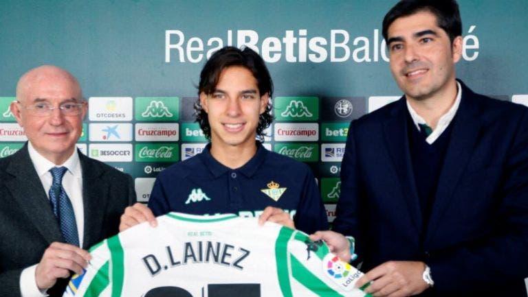 Diego Lainez fue presentado de manera oficial con el Real Betis