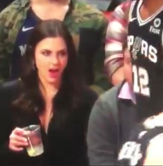 NBA: Reacción de aficionada al ver a jugador de los Spurs se vuelve viral