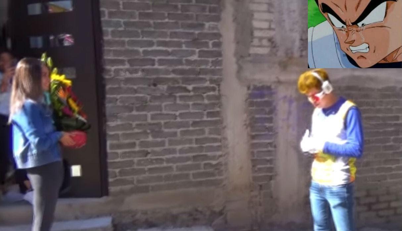 Vídeo: Youtuber se viste de vegeta de Dragon Ball y le declara su amor a su novia