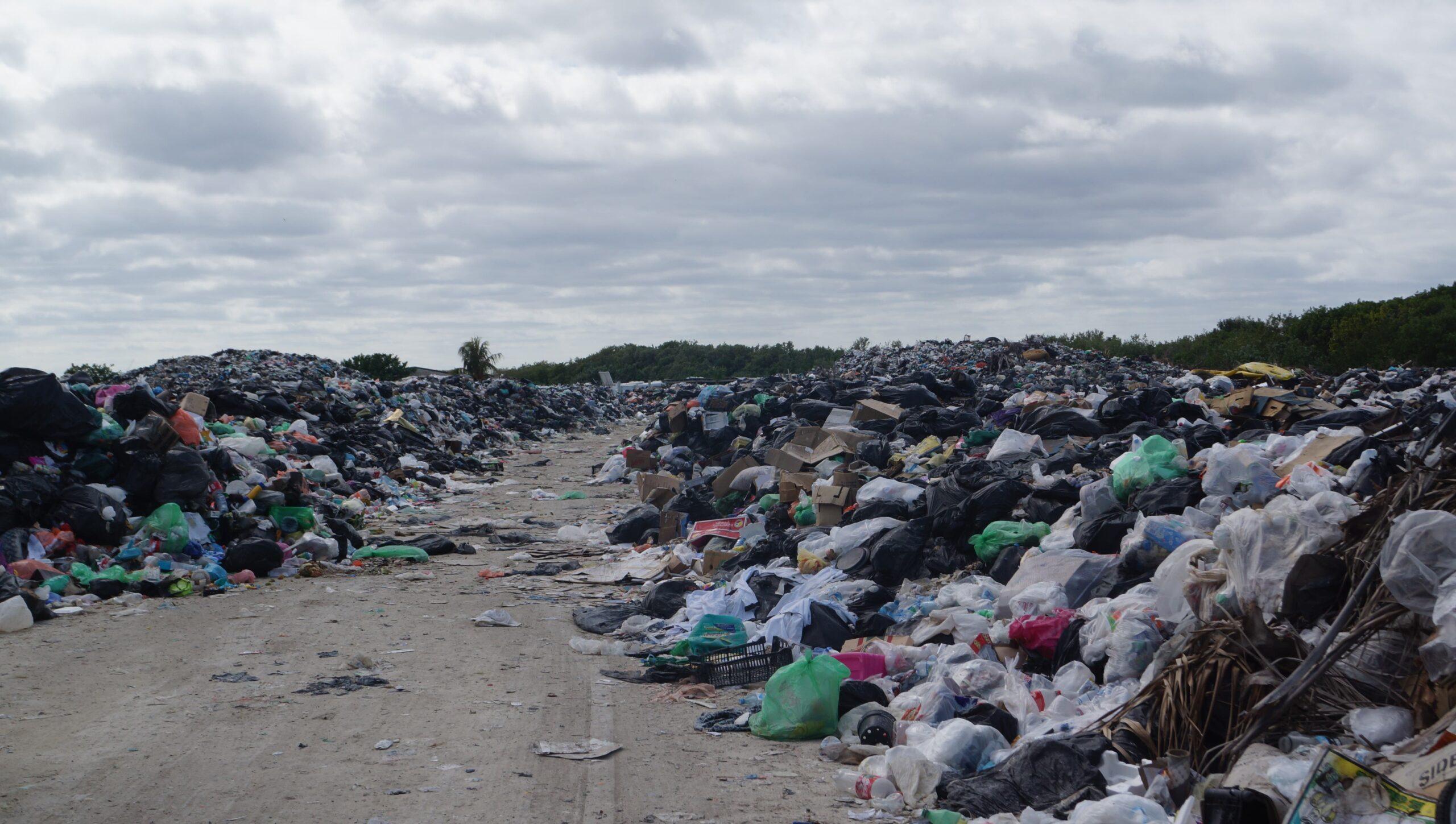 Holbox fija de hasta 300 pesos mensuales para el saneamiento de basura