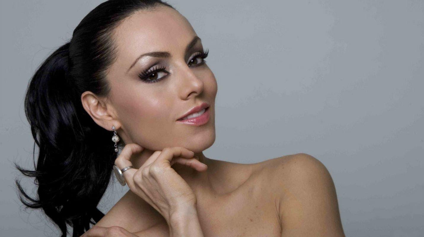 Porno Ivonne Montero  nudes (29 pics), Twitter, legs