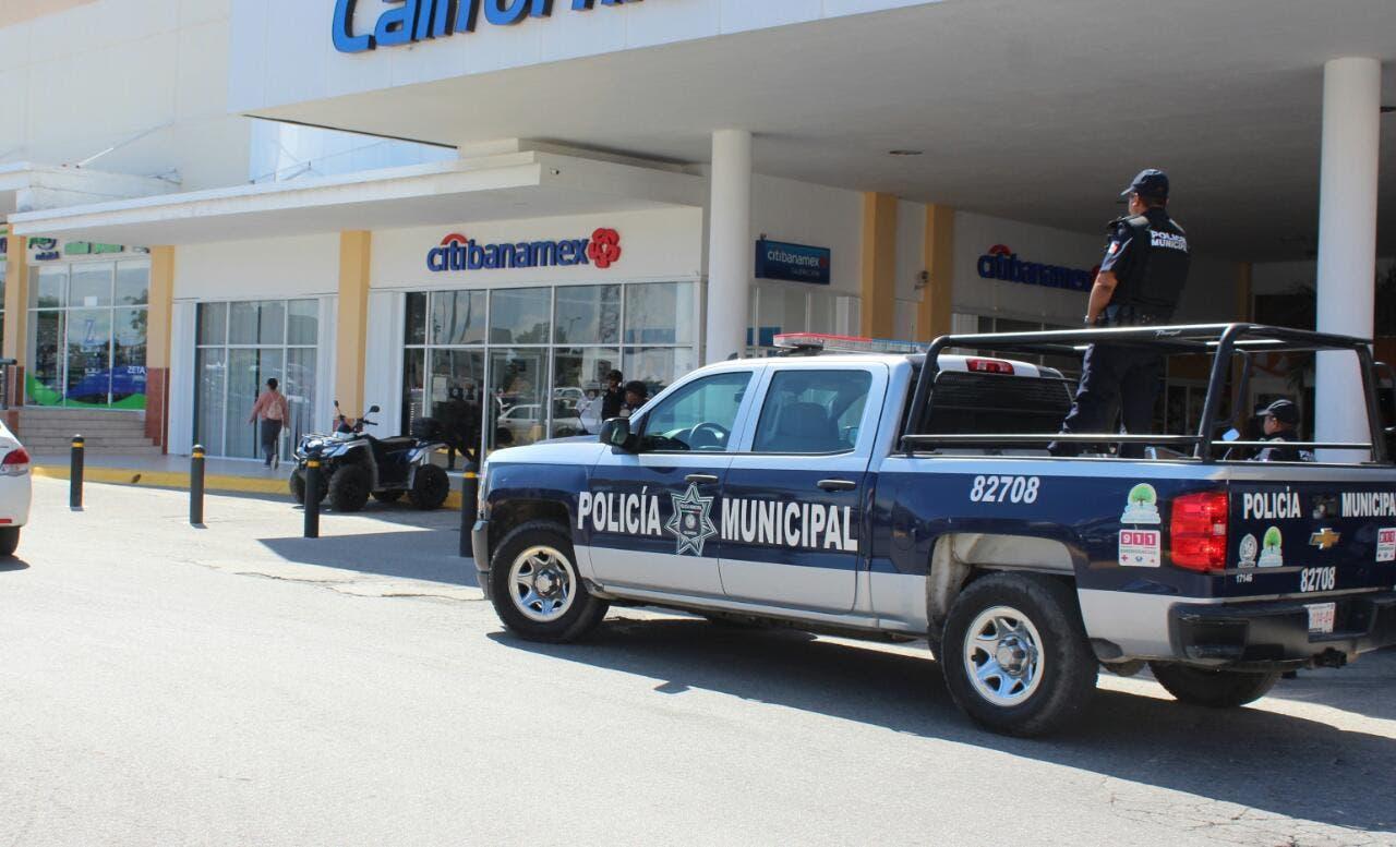 Policía Municipal refuerza la seguridad en los bancos de Playa del Carmen