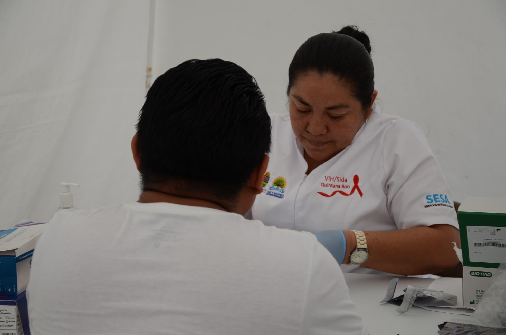 SESA realiza pruebas para detectar el VIH.