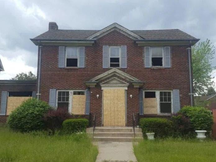 ¡EU vende casas a un dólar para gente valiente!