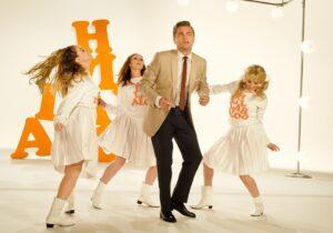 Leonardo Di Caprio bailando en Once Upon a Time in Hollywood