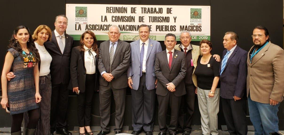 Se reúne Luis Alegre con integrantes de la Asociación Nacional de Pueblos Mágicos