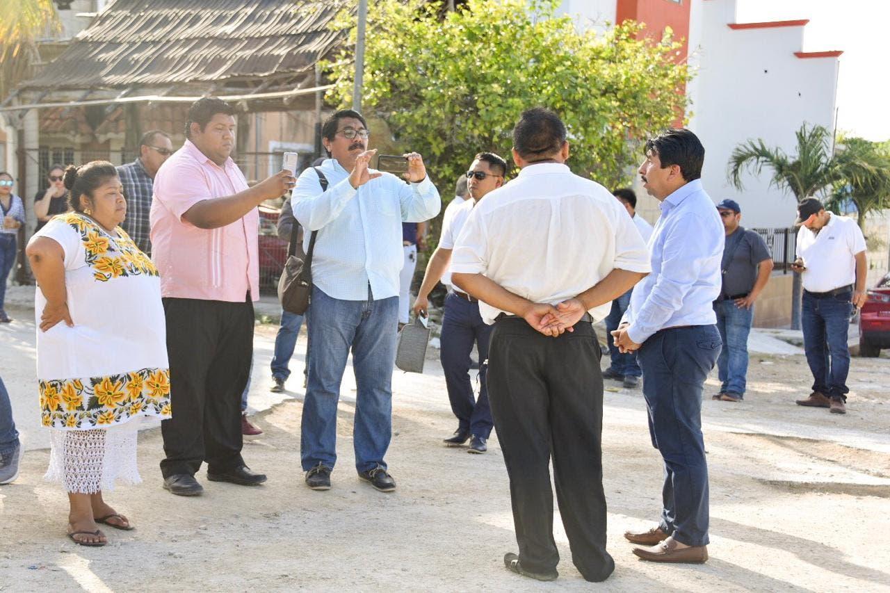 El Presidente Víctor Mas, supervisando