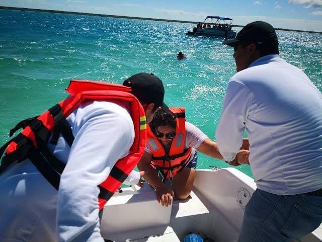 Exigen regular la navegación en laguna de Bacalar
