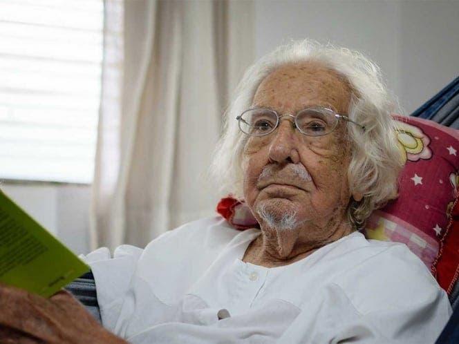 Rehabilita el Papa al sacerdote nicaragüense Ernesto Cardenal