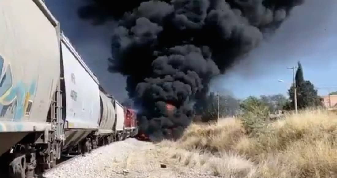 Chocan tren y una pipa en Aguascalientes; 2 muertos