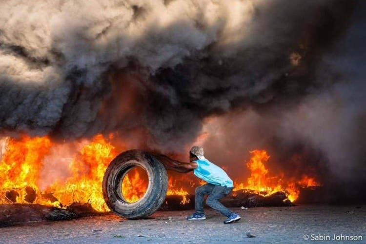 """Ignora el mundo al """"pobre"""" Haití, el país arde entre el desdén y el olvido"""