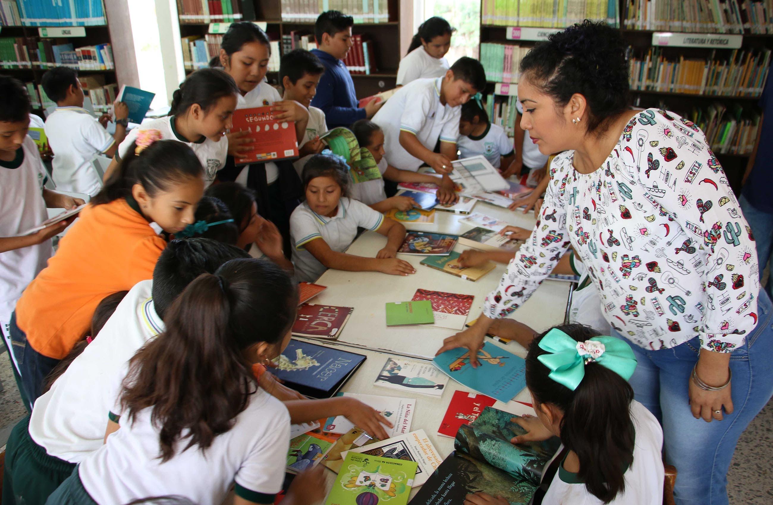 Biblioteca de José María Morelos fomenta la lectura