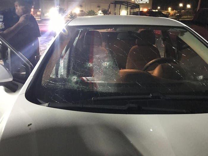 Así quedó el auto en el que viajaba el diputado.