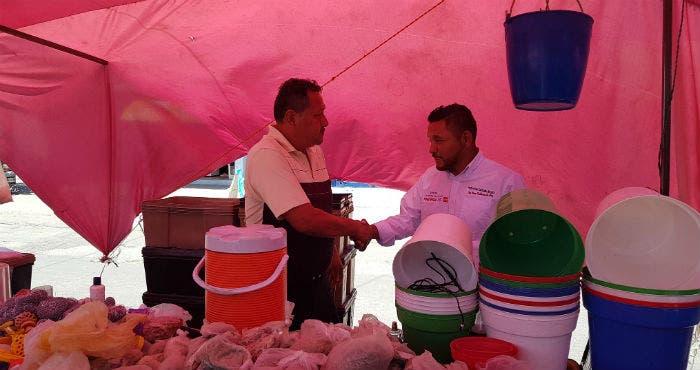 """Continúa """"El Mijis"""" sus recorridos por los mercados atendiendo a los comerciantes y su seguridad."""