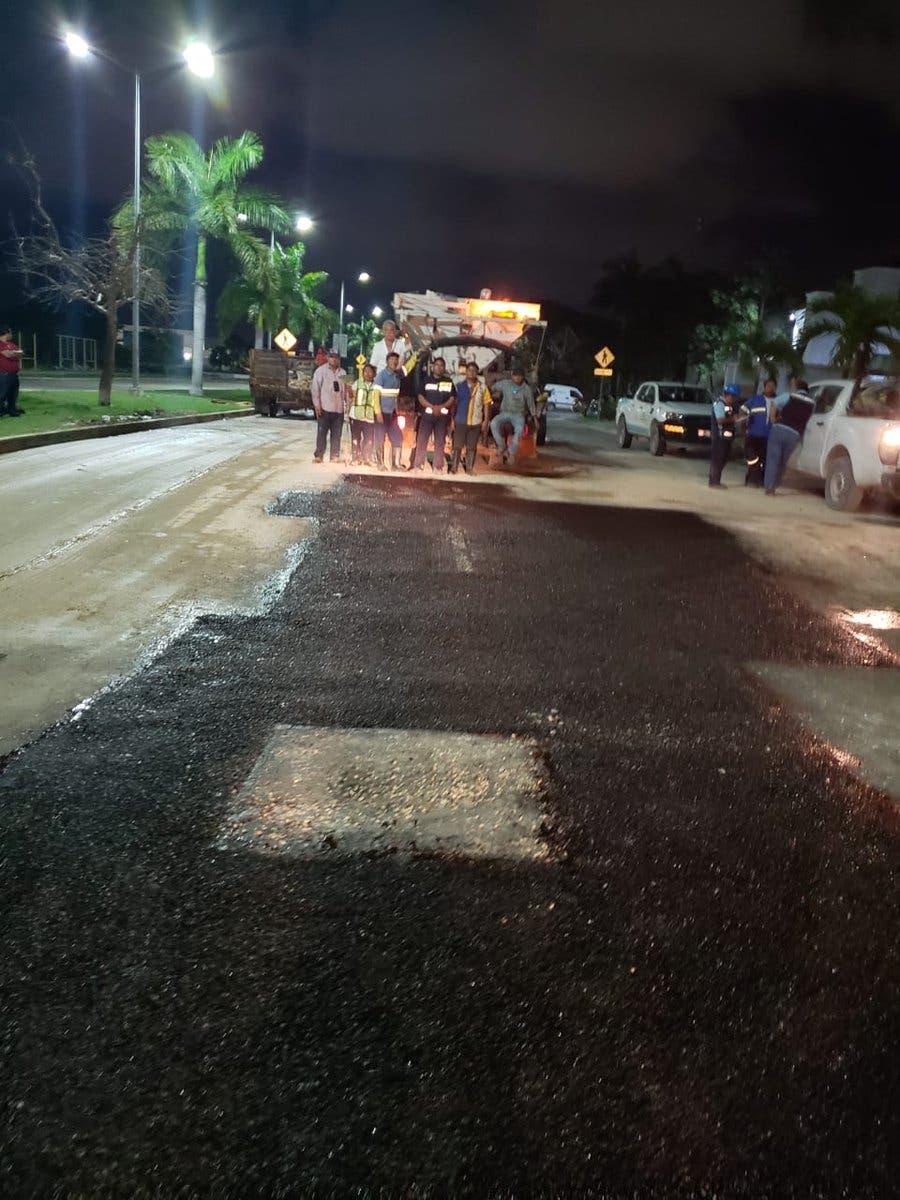 Aguakán detiene fuga de aguas negras del socavón de Playa del Carmen