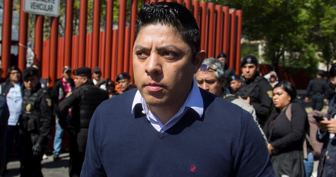 """Renuncian diputados al PRD, se dan cuenta que """"se alejó de la izquierda"""""""