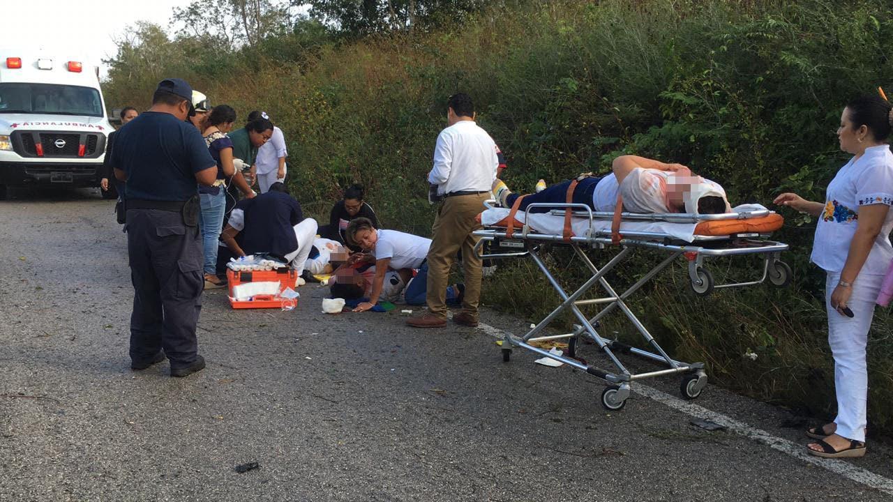 Pasajeros que viajaban en el automovil en dirección a Tihosuco.