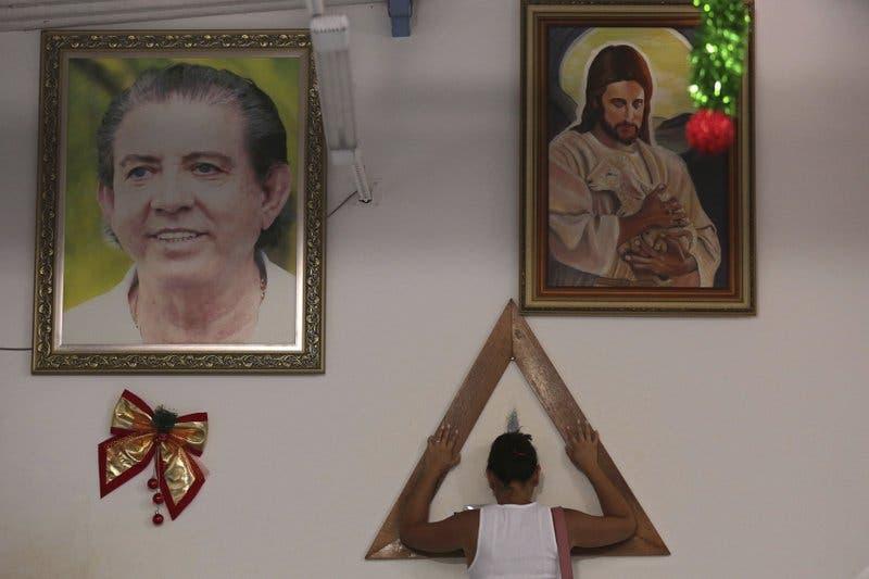 Acusan de abuso sexual a gurú de Brasil; hasta su hija lo señala