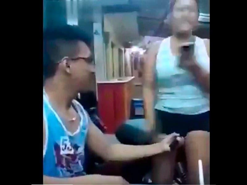 Vídeo: Chavo electrocuta la parte íntima de su mujer al jugar con aparato de descargas