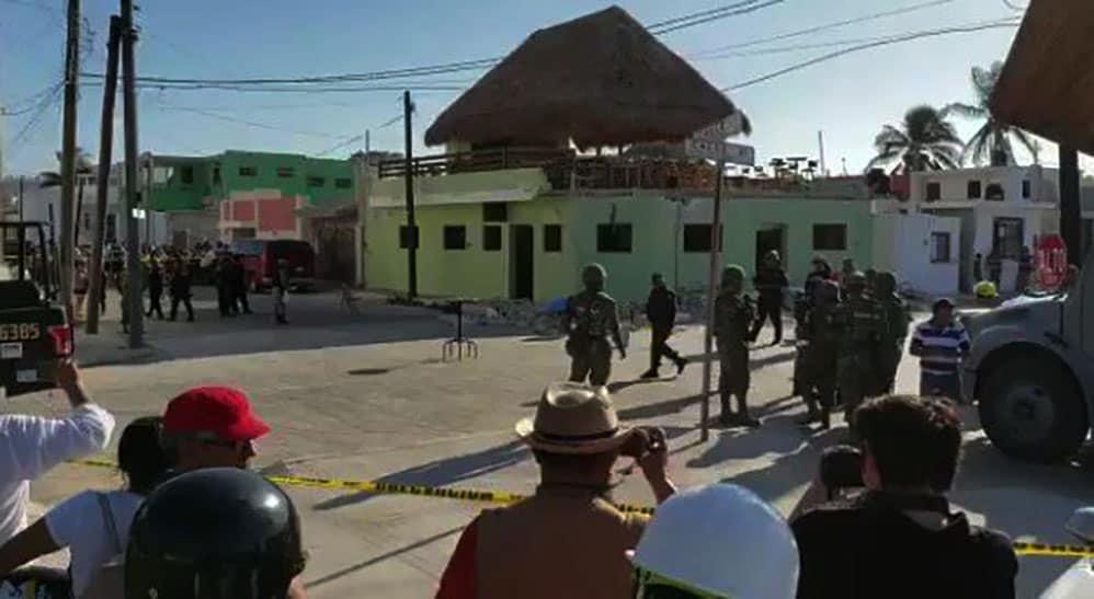Se derrumba restaurante en Yucatán dejando 3 muertos