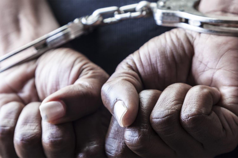Hombre irá a prisión por insultar y golpear a su esposa