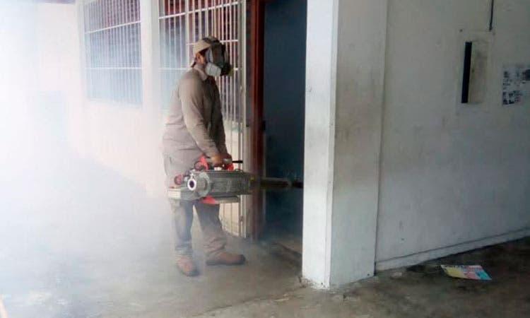 Realizan trabajos preventivos en escuelas de Playa del Carmen que se habilitarían como albergues